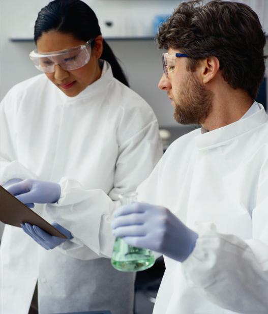 Scientists at work (iStock)